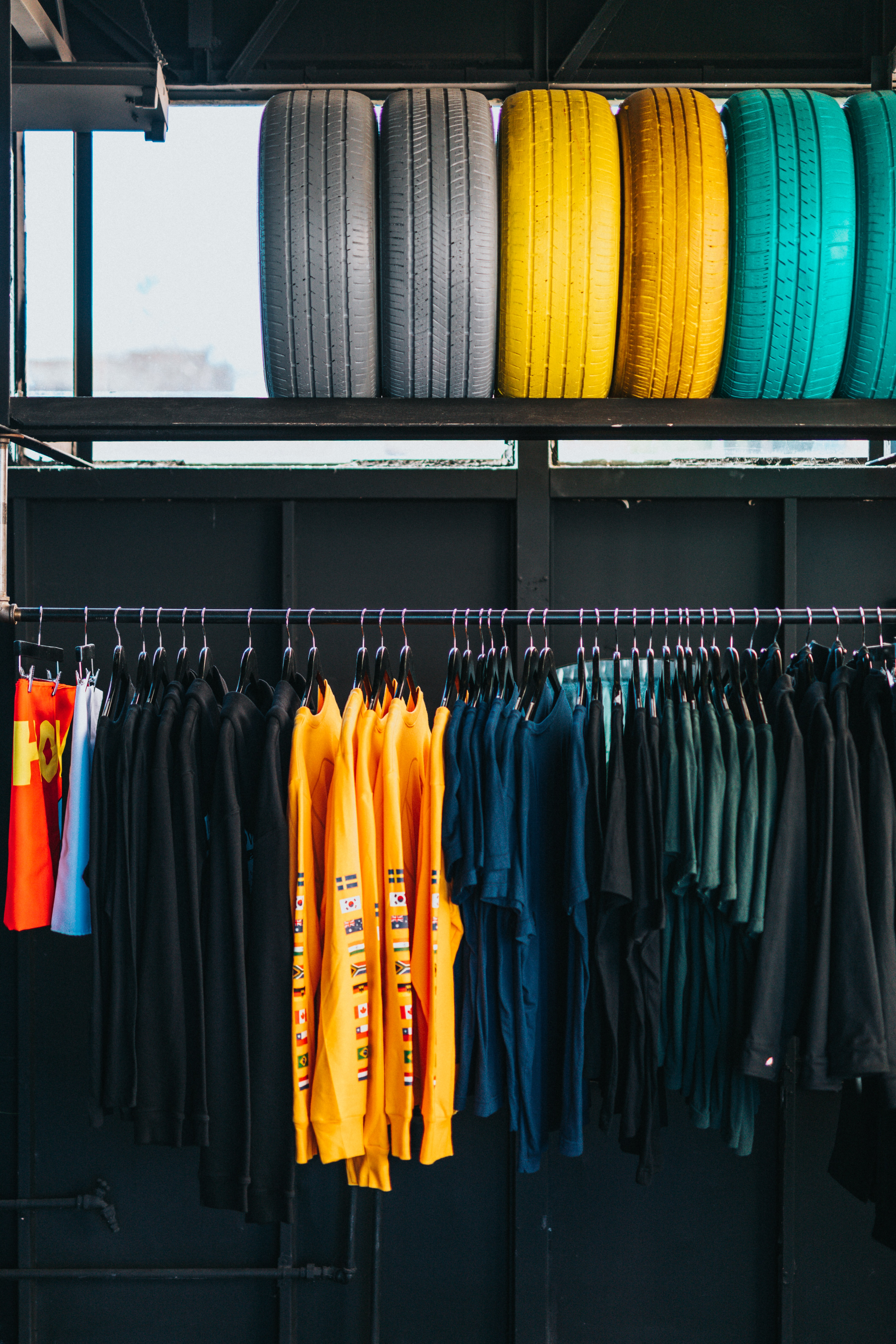 Due to the success of their (secret) warehouse, the DTC company is turning to retail.