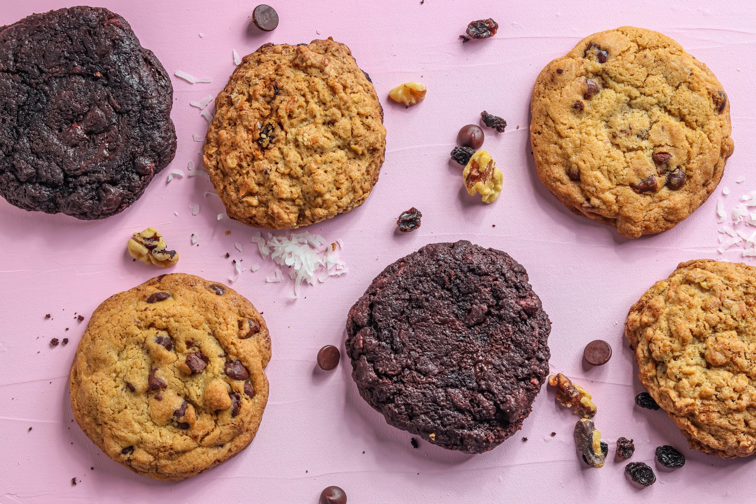 Crumbl cookies really blew up this year, and they have TikTok to thank for that. Learn more about the Crumbl cookies TikTok strategy here.